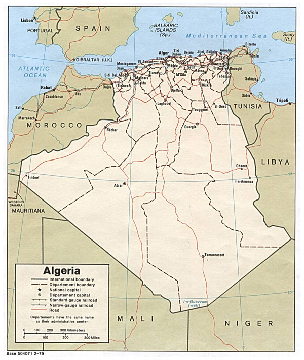 Detailed road and administrative map of Algeria with cities.