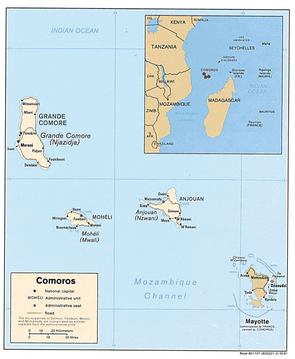 Detailed political map of Comoros and Mayotte with roads.