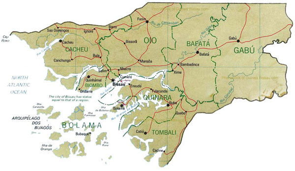 Administrative and road map of Guinea-Bissau.