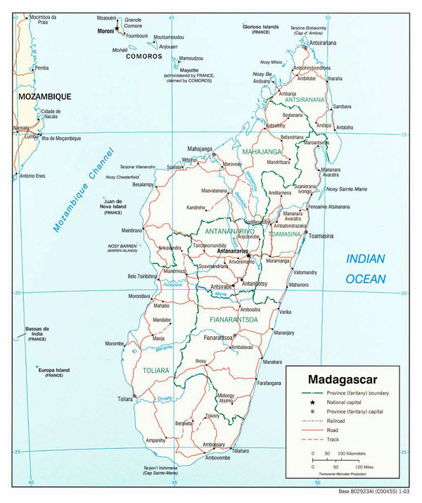 Detailed administrative map of Madagascar with roads and cities.