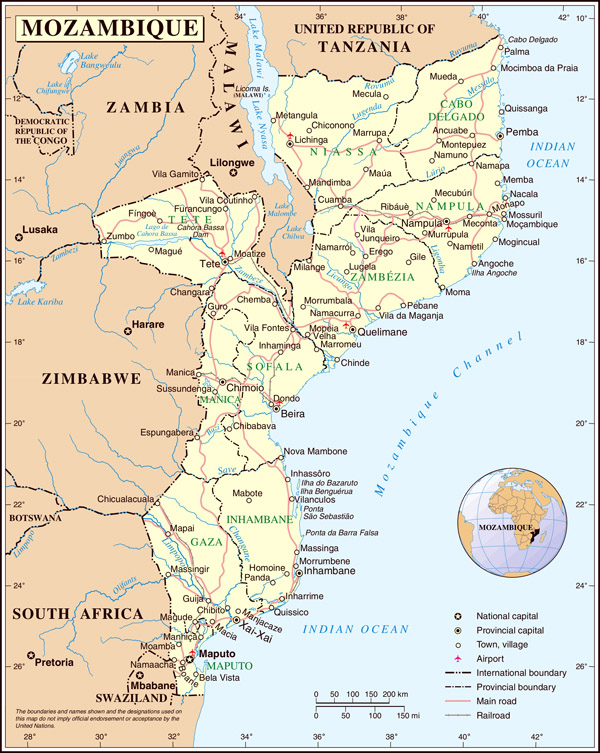 Large detailed political and administrative map of Mozambique.