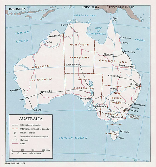 Detailed political and administrative map of Australia.
