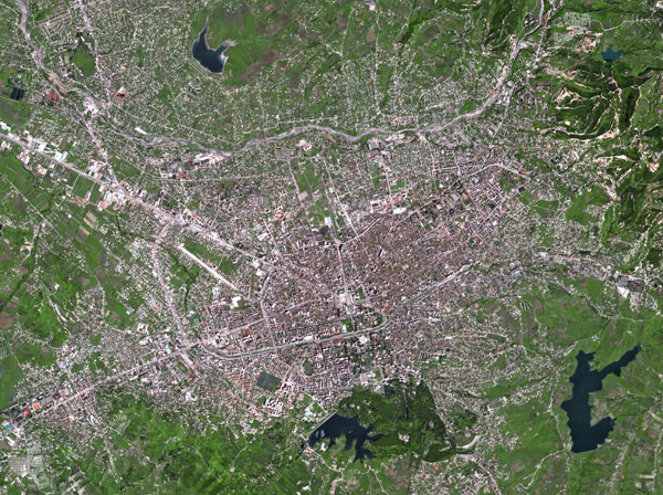 Large detailed satellite map of Tirana.