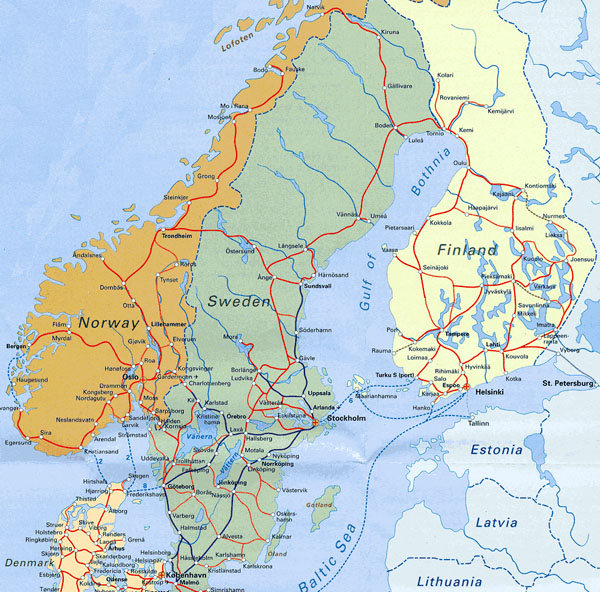 Detailed railways map of Scandinavia.