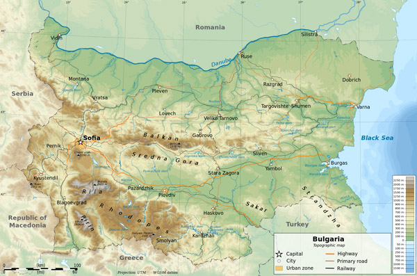 Detailed physical and road map of Bulgaria.