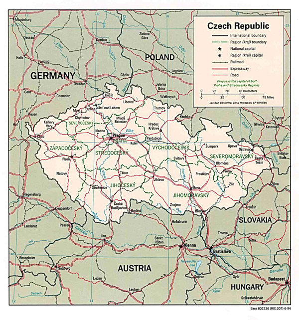 Detailed political and road map of Czech Republic.