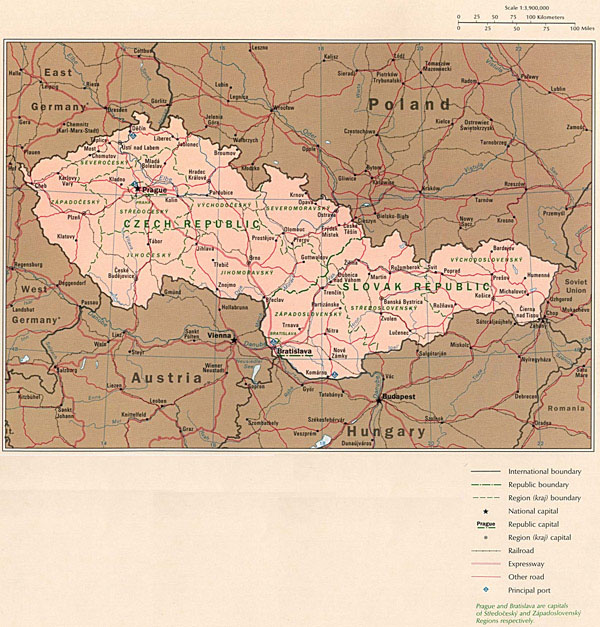 Large detailed political map of Czech Republic and Slovak Republic with roads.