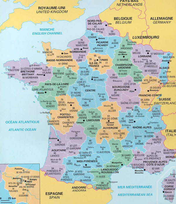 Political and administrative map of France.