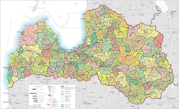 Large detailed administrative and road map of Latvia.