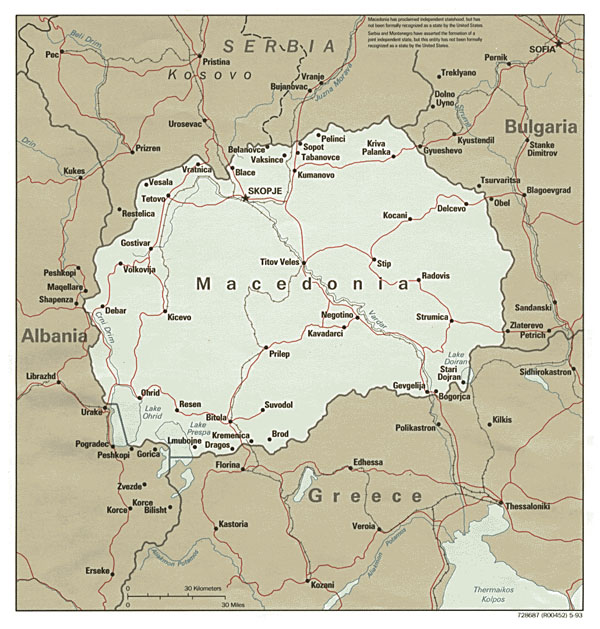 Large political map of Macedonia with roads and cities - 1993.