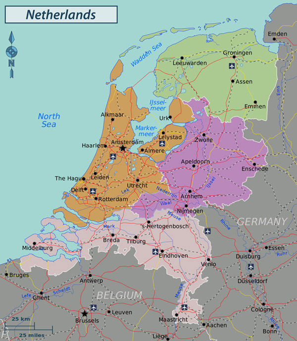 Large detailed administrative and road map of Netherlands (Holland).