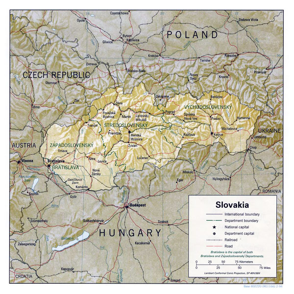 Detailed political and administrative map of Slovakia with roads and cities.