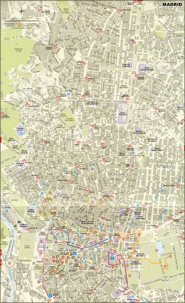 Large detailed road map of Madrid city center with buildings.