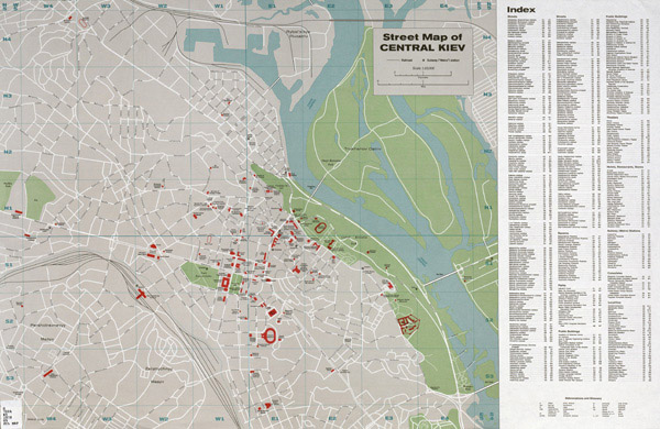 Large detailed road and tourist map of Kiev city center.