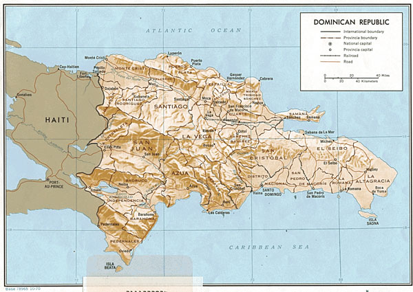 Detailed road and administrative map of Dominican Republic.