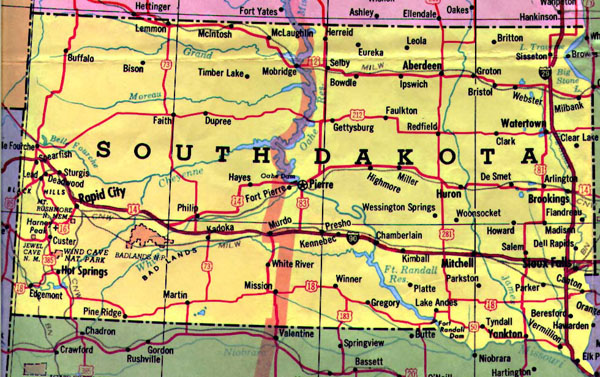 Detailed map of South Dakota state with highways.