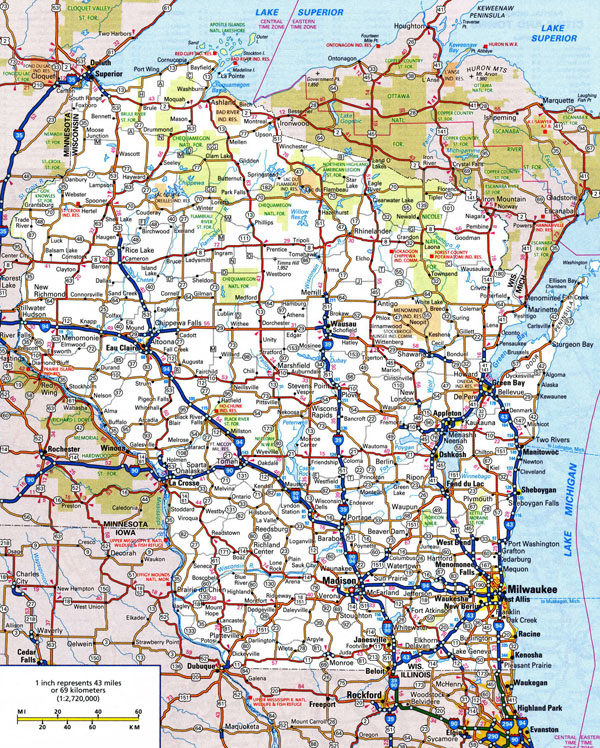 Large detailed roads and highways map of Wisconsin state with national parks and cities.
